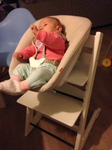 What's on mamas mind stokke kinderstoel newbornset