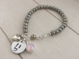 What's on mama's mind kralenarmbandjes gepersonaliseerd