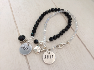 What's on mama's mind avi sieraden naambedeltjes