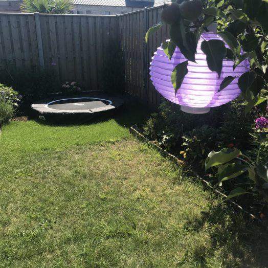 tuinmeubels en trampoline