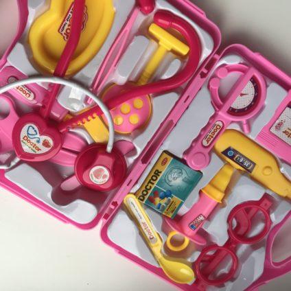 roze dokterskoffertje meisjes KoopjesAap