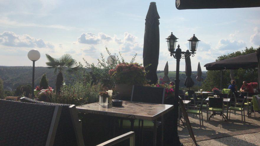 uitzicht restaurant La bonne heure bungalownet valle les etoilles