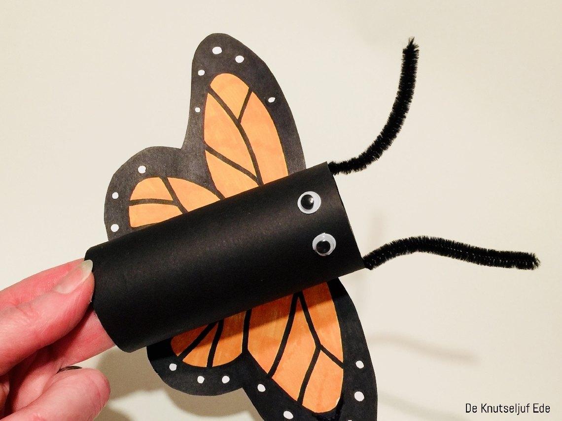 Knutseljuf ede knutsel vlinder van wc rolletje