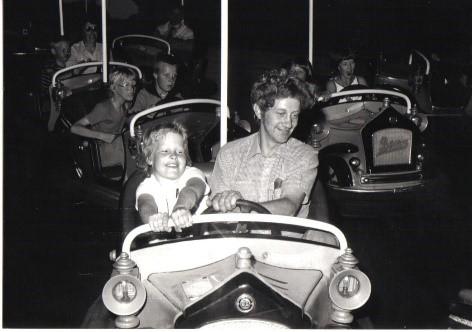 Botsauto jaren 70 avonturenpark hellendoorn
