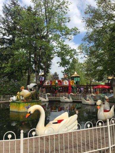 Avonturenpark Hellendoorn zwanen bootjes