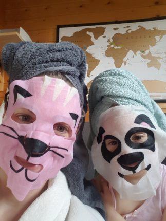 Moederdag gasbtlog Kim ontbijt op bed gezichts maskers