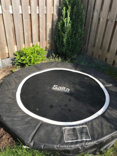 trampoline salta schoonmaken