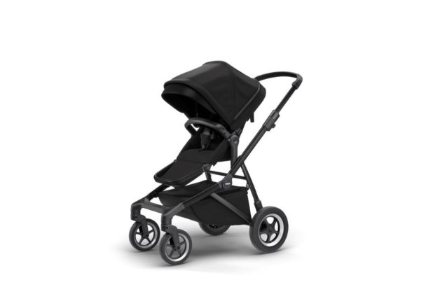 Thule kinderwagen black on black ingeklapt
