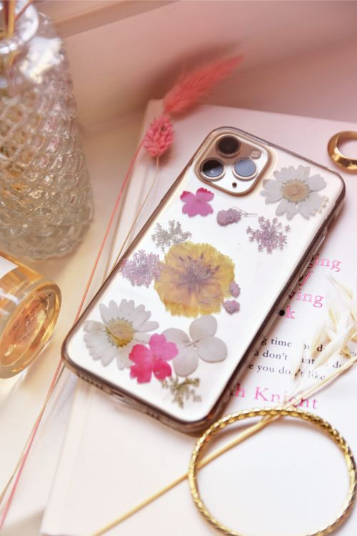 telefoonhoesje gedroogde bloemen